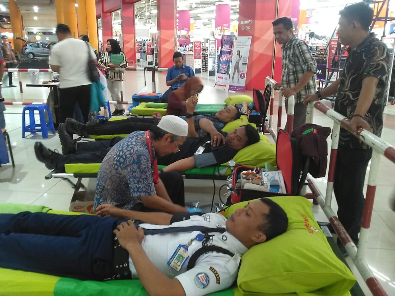 Acara Donor Darah Gratis Jakarta ITC Cempaka Mas 2